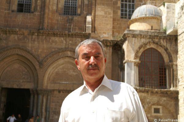 Wajech Y. Nuseibeh ist Tuer-Oeffner der Grabeskirche in Jerusalem