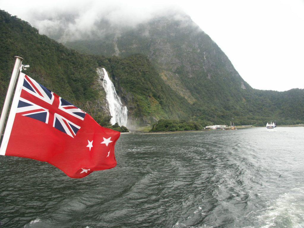 """Am anderen Ende der Welt. Von Deutschland aus betrachtet ist Neuseeland das am weitesten entfernte Reiseziel: Rund 29 Flugstunden müssen bis an das """"schönste Ende der Welt"""" absolviert werden"""