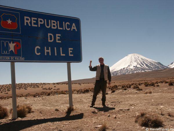 Wie eine Schlange, aus Feuer und Wasser, windet sich der 4.300 km lange Pazifik-Anrainer Chile entlang, an der Westküste des amerikanischen Südkontinents.