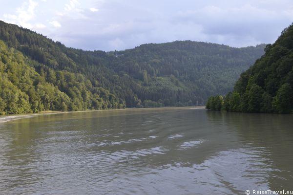 """Der Kreuzfahrtspezialist nicko cruises begrüßte wieder Gäste an Bord: Auf MS """"Belvedere"""" ist die Donau so blau"""